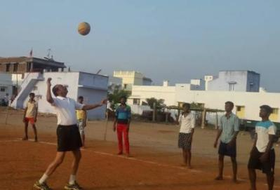 vaiko-playing